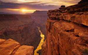 Grand Cayon bij zonsondergang
